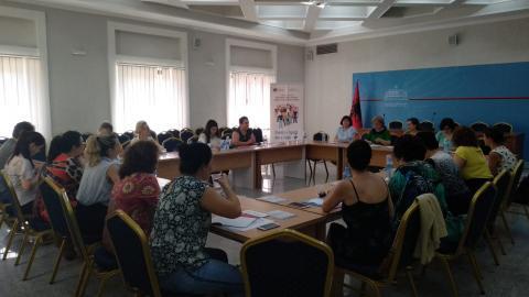 Foto nga sesioni informues mbi proçesin e monitorimit të zbatimit të Planit tē Veprimit për Rezolutēn 1325